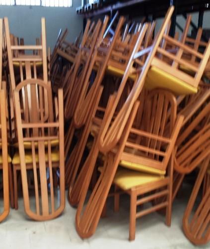 Muebles de segunda mano para tienda de ropa infantil for Sillas de escritorio segunda mano