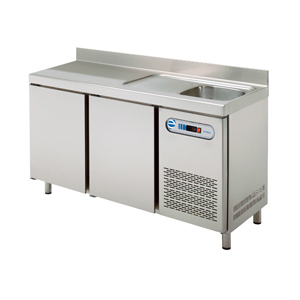 Mesa refrigerada para hostelería con fregadero