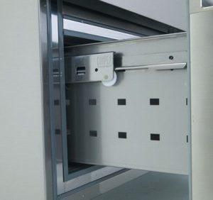 edenox-mesa-refrigerada-serie-600-cajones guías telescópicas